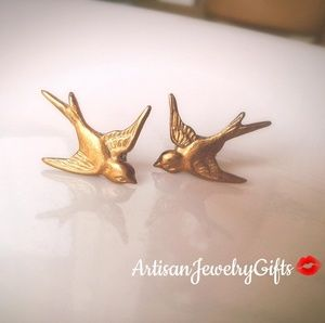 Hypo-Allergenic Gold Sparrow Stud Earrings